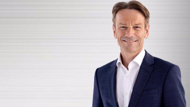 Stellantis 'pesca' en Renault y nombra a Uwe Hochgeschurtz nuevo consejero delegado de Opel en pleno desarrollo del eléctrico.