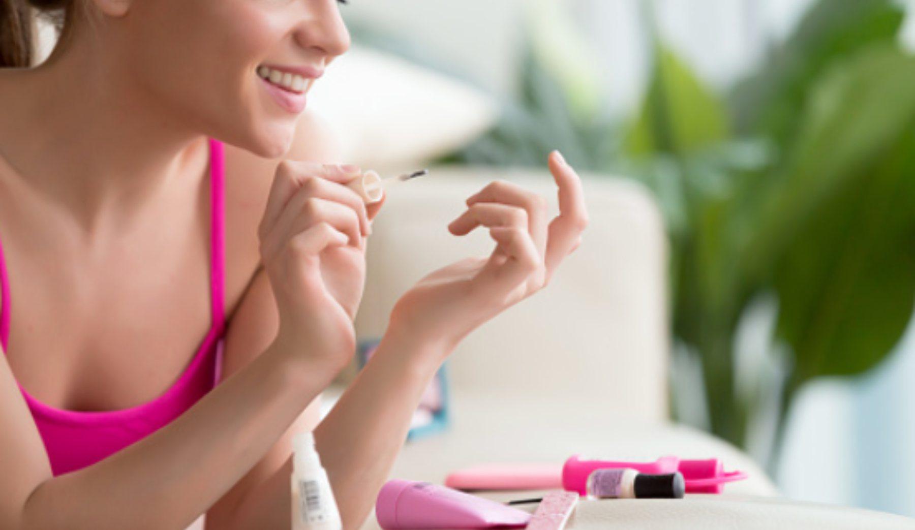 Pasos para pintarse las uñas en casa consiguiendo la manicura perfecta
