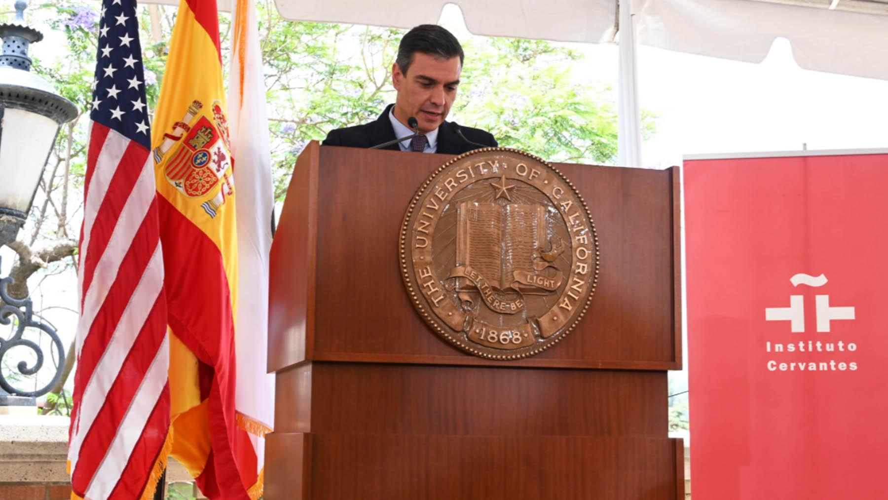 Pedro Sánchez en la universidad de UCLA (Foto: Instituto Cervantes).