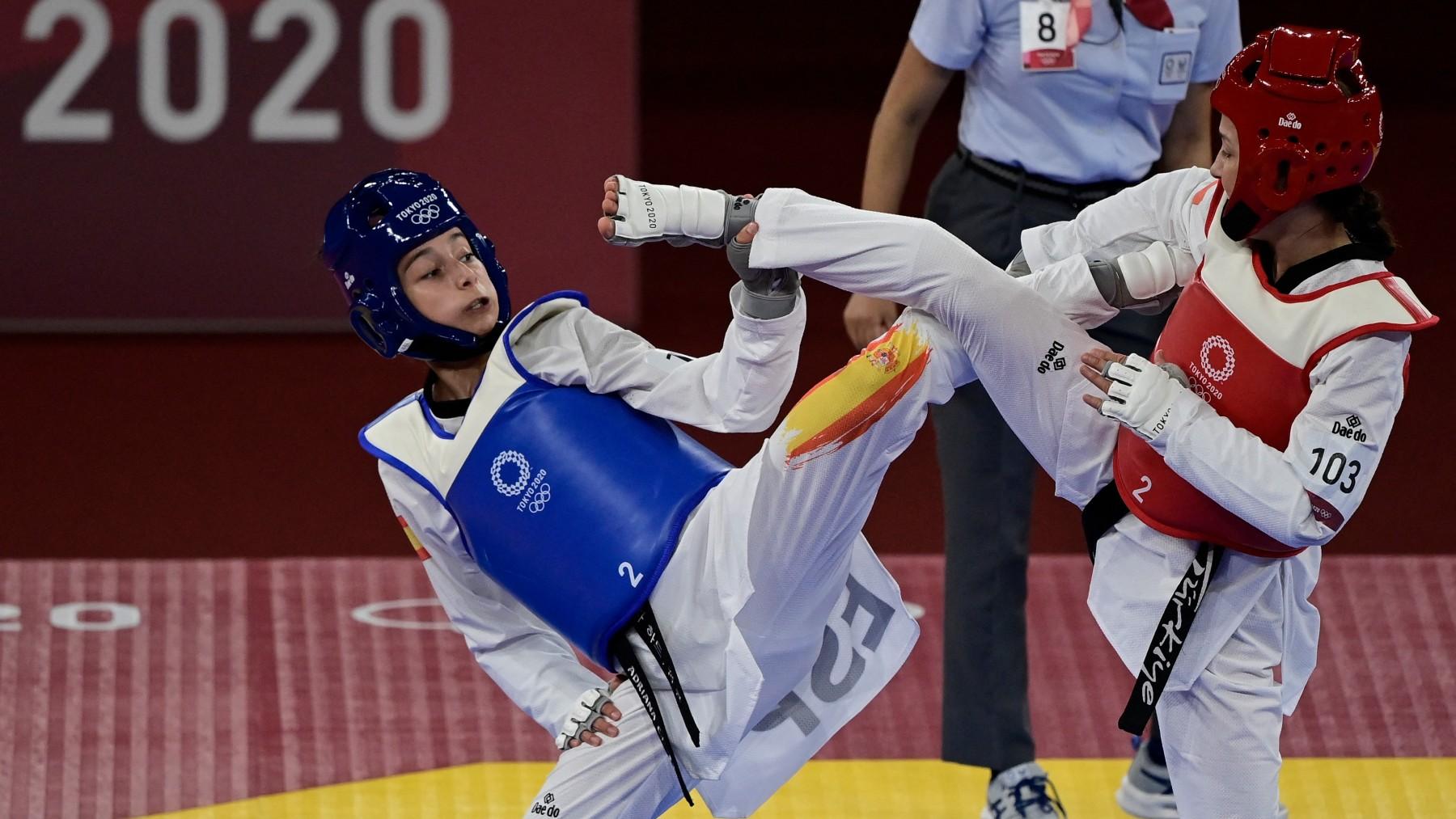 Adriana Cerezo, en combate. (AFP)