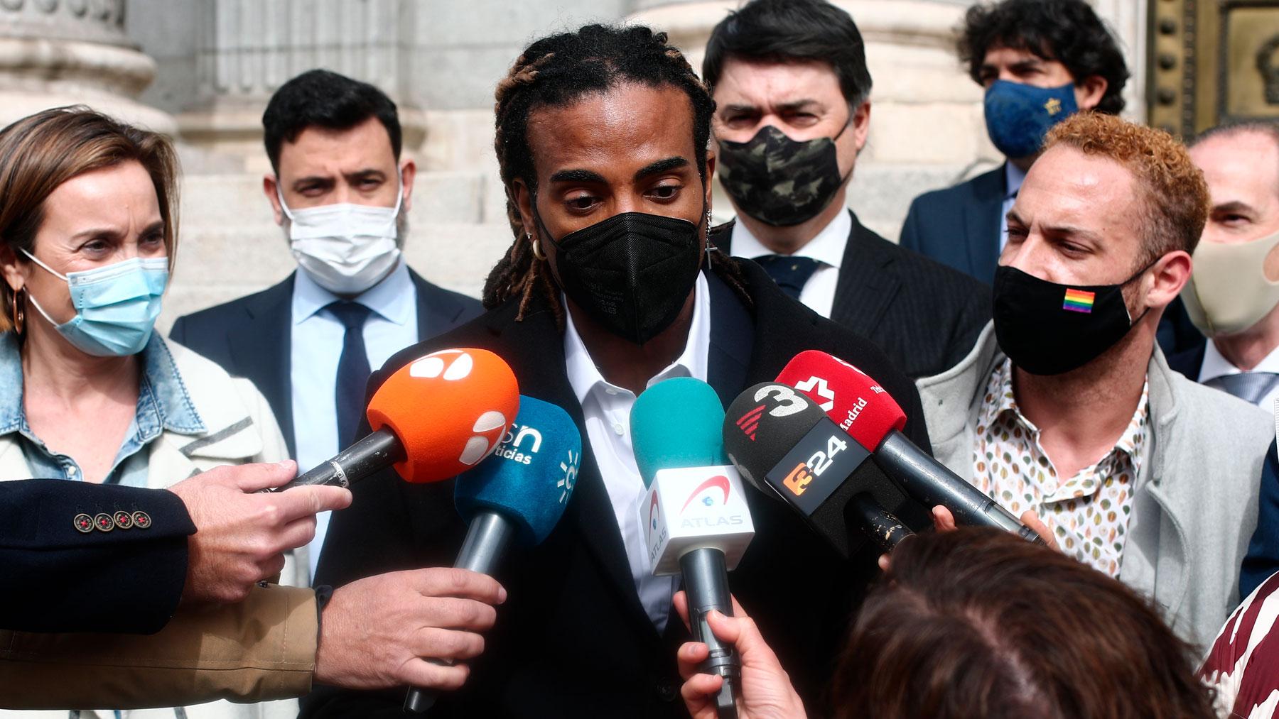 Yotuel: Exteriores se reúne con el cantante para valorar la situación en  Cuba tras las protestas