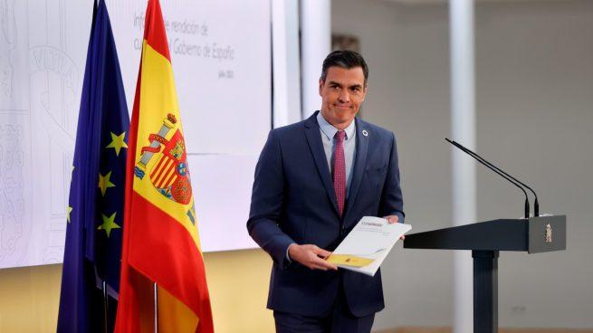 Sánchez monta un 'Aló presidente' para presumir de gestión y oculta los indultos que prometió no conceder