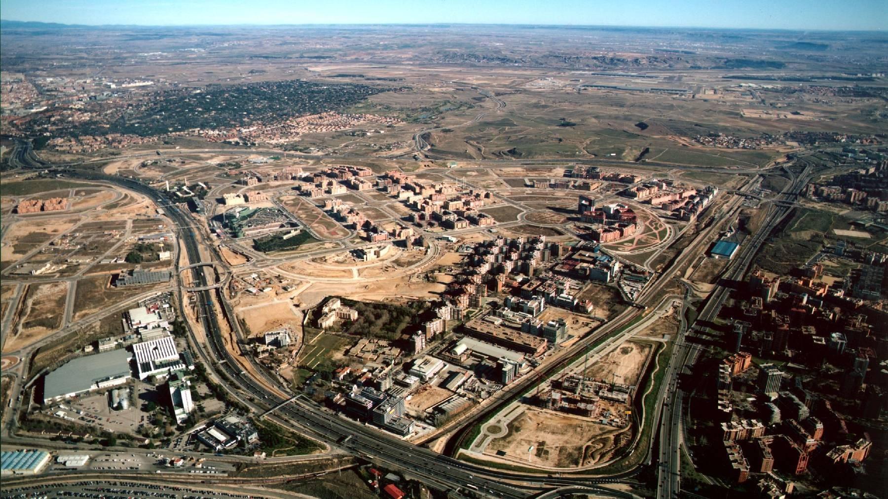 tamiento de Madrid cederá 25 parcelas para promover 2.500 viviendas destinadas al alquiler