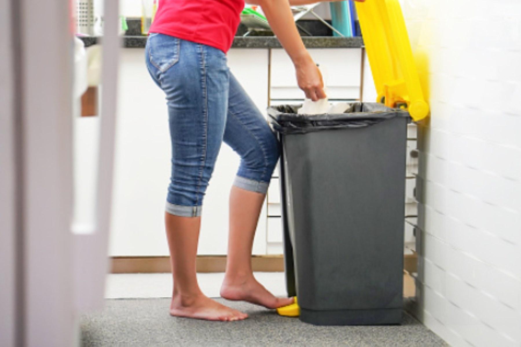Este es el truco definitivo para eliminar el mal olor del cubo de la basura