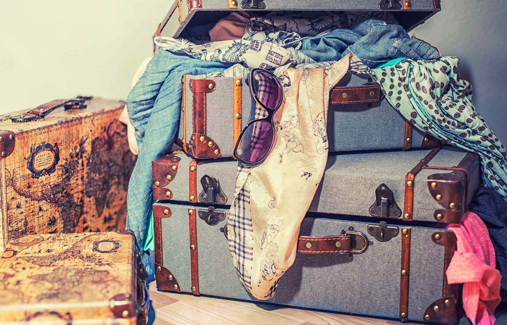 Vacaciones 2021: los consejos para ahorrar espacio en la maleta