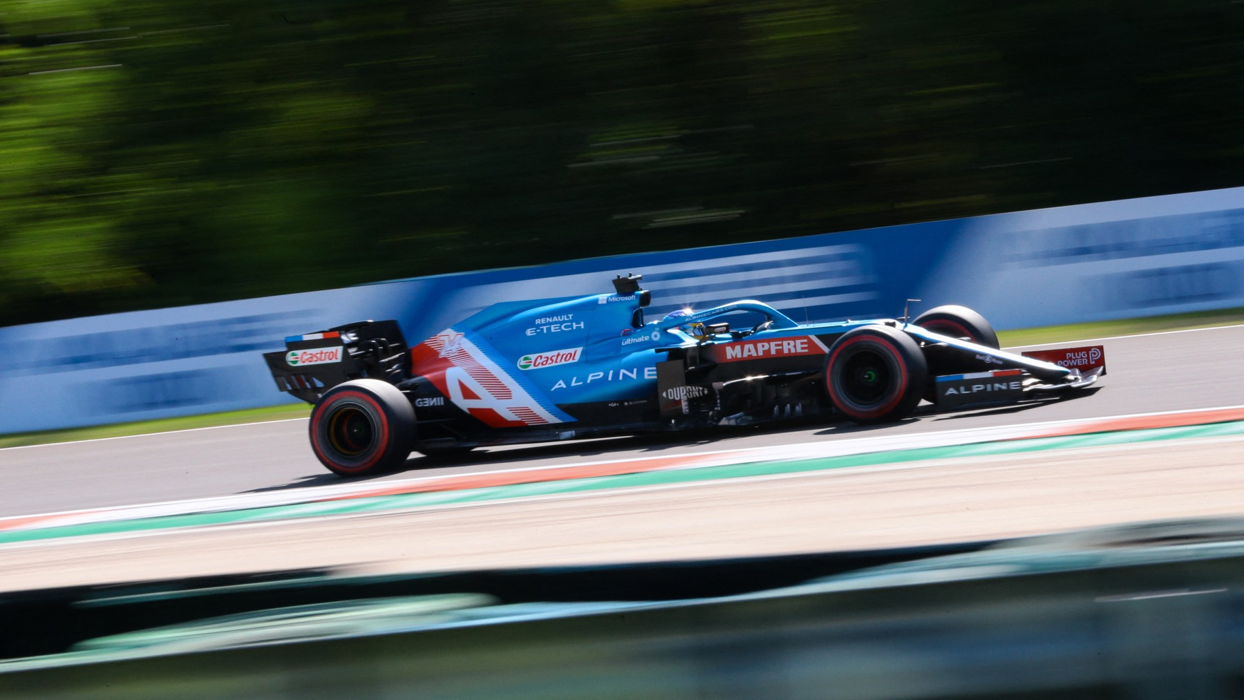 Fernando Alonso durante la sesión de clasificación del Gran Premio de Hungría. (AFP)