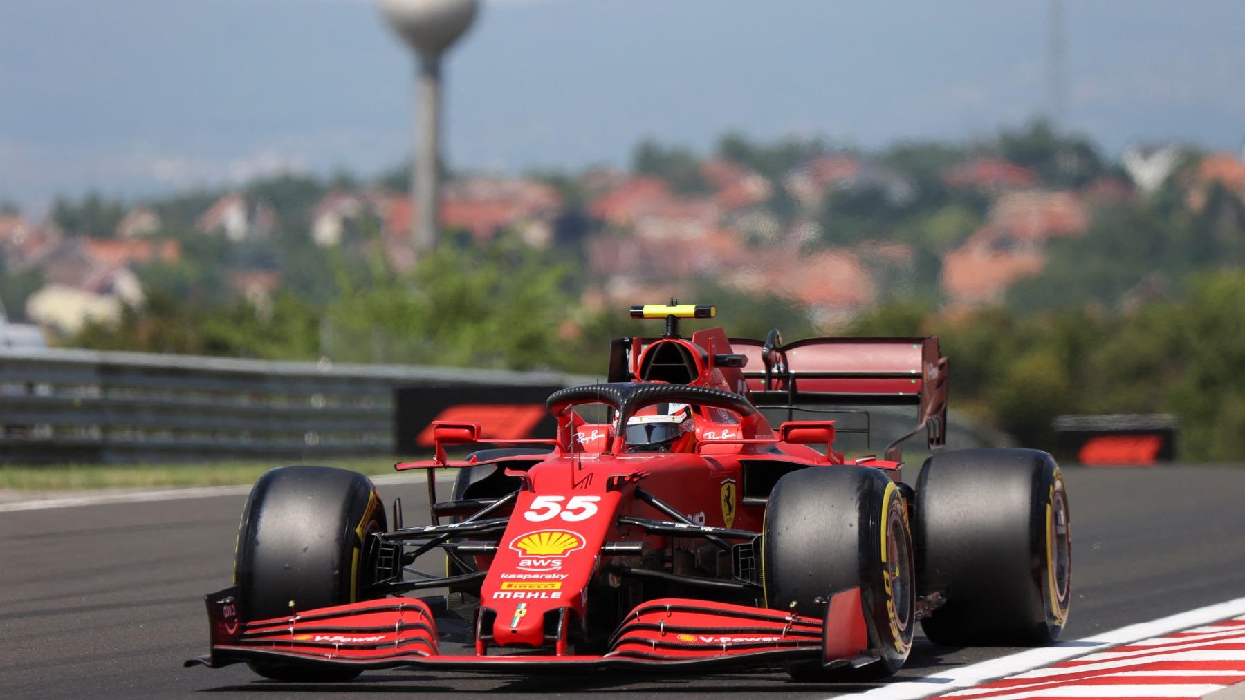 Carlos Sainz durante la sesión de clasificación del GP de Hungría. (AFP)