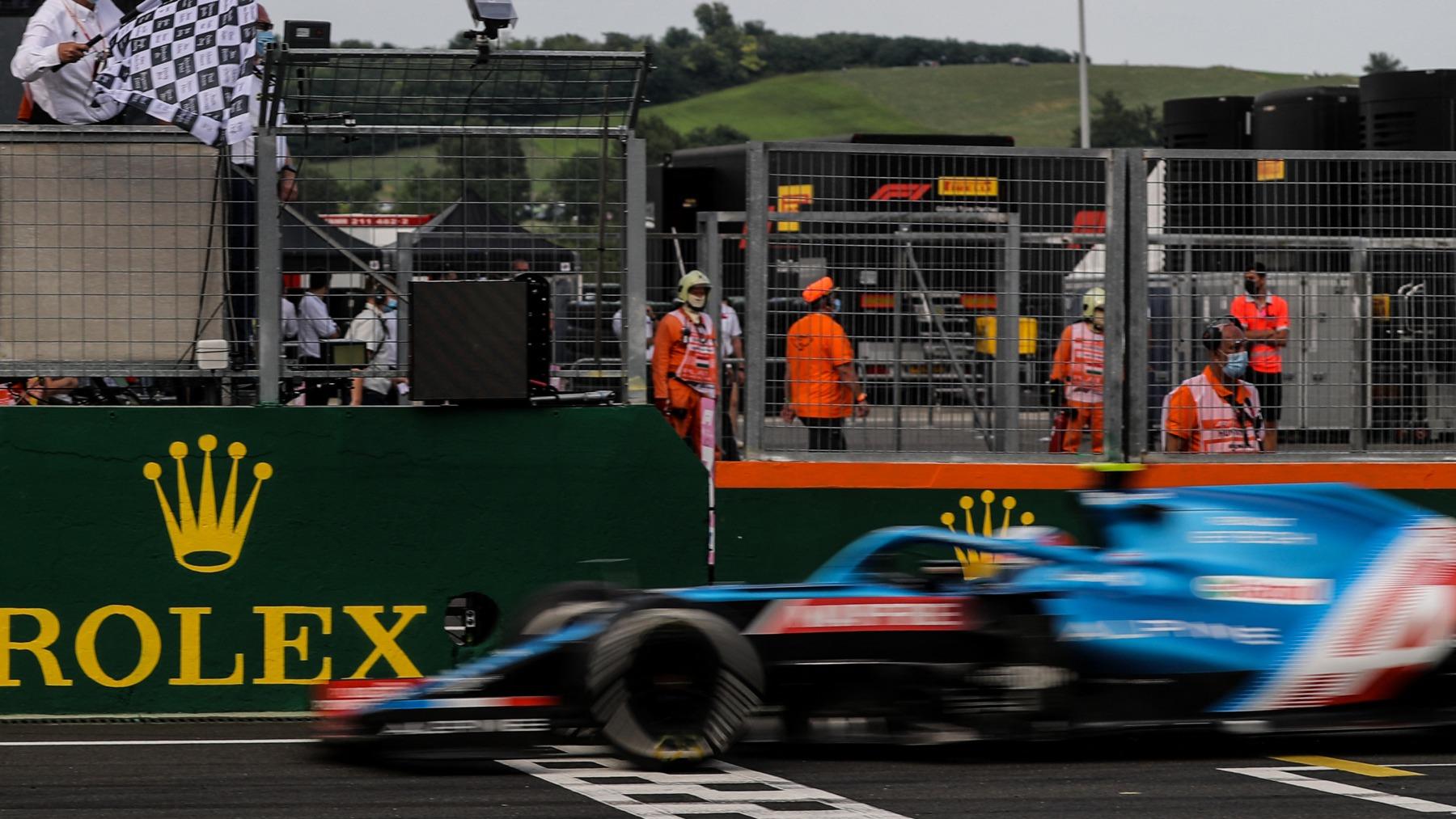 Esteban Ocon gana el Gran Premio de Hungría. (AFP)