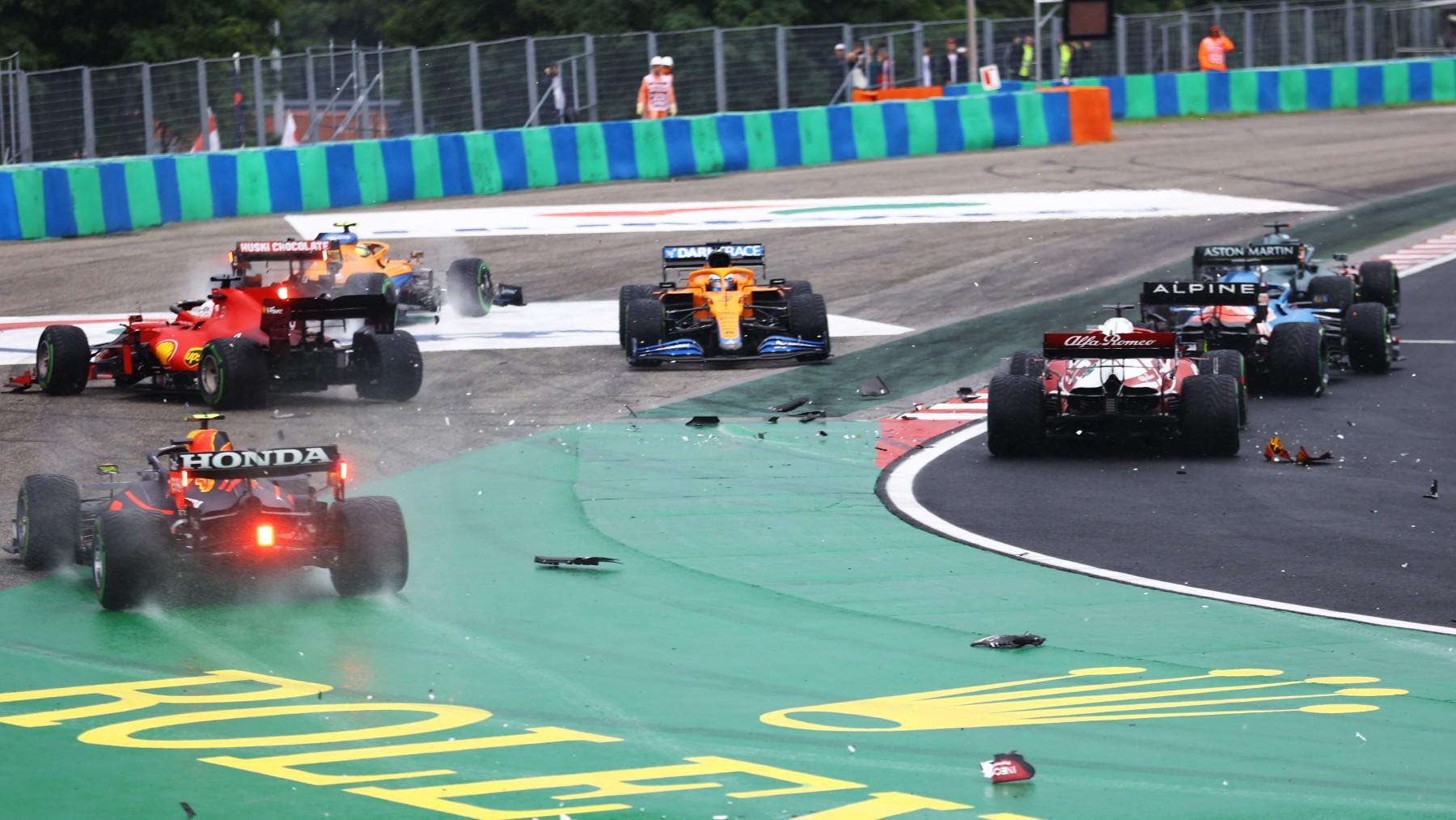 Accidente en la salida del GP de Hungría. (Getty)