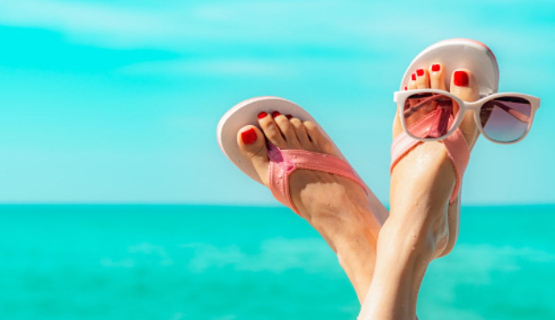 Pasos para hacer un masaje para pies con arena de playa