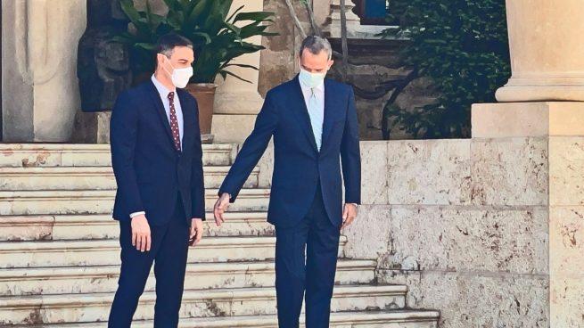 Felipe VI y Pedro Sánchez en Marivent. Foto: Joan Guirado