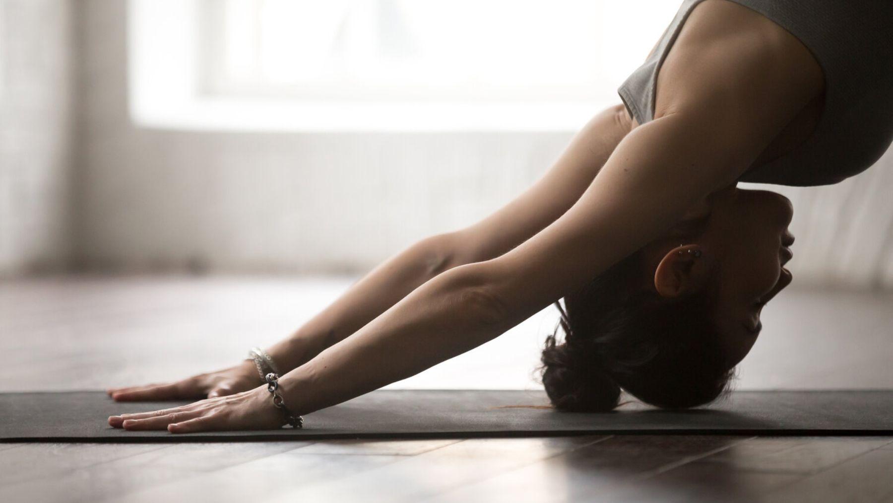 Cómo se diferencia el yoga del pilates