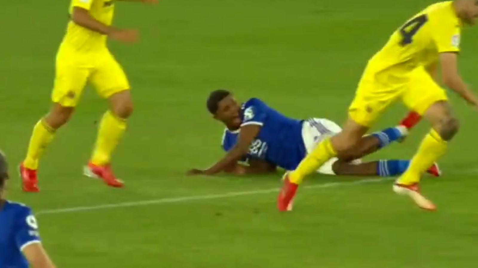 Terrorífico: así fue la gravísima lesión de Fofana en el partido contra el Villarreal.