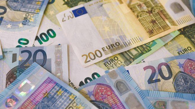 Dinero en efectivo al hacer un viaje