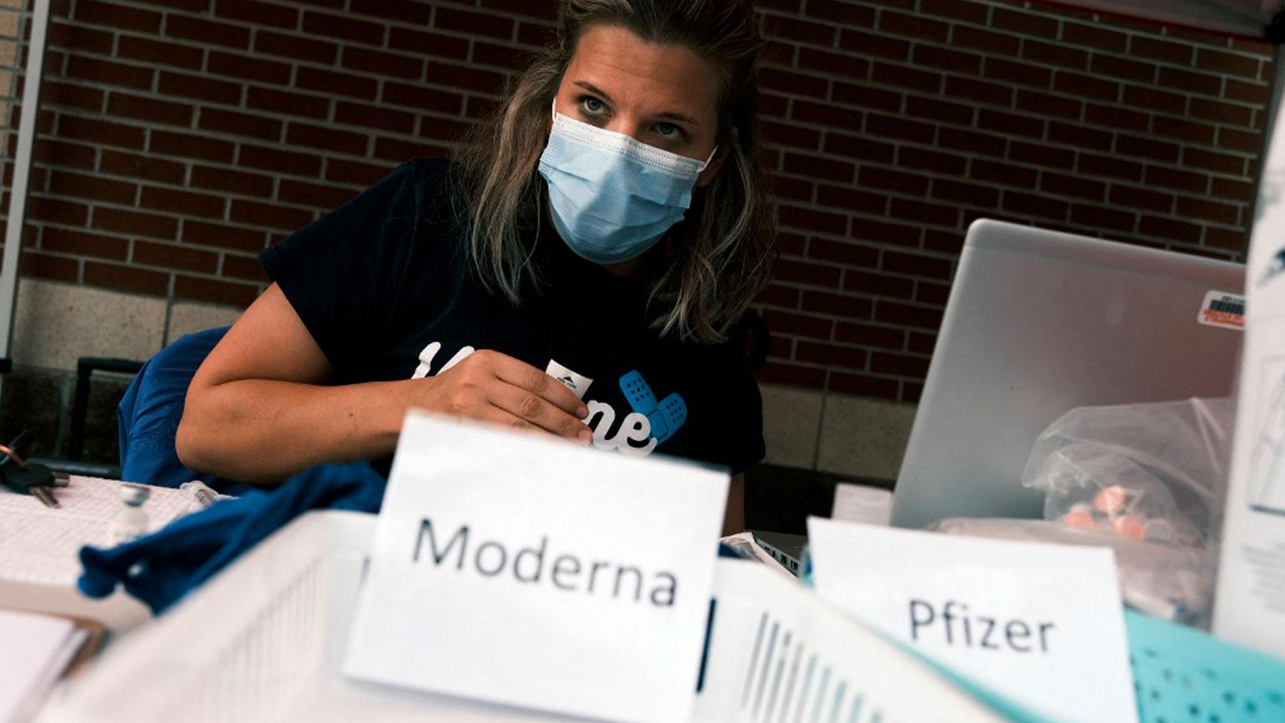 Un puesto de vacunación en Springfield, en el estado de Missouri. Foto: AFP