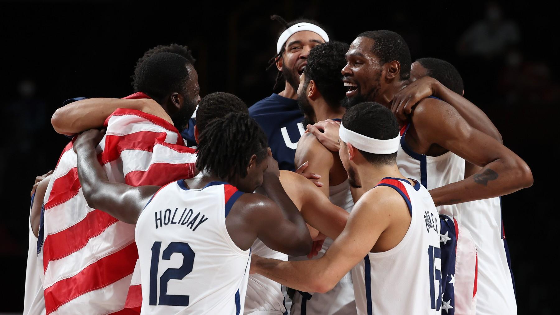 Los jugadores de Estados Unidos celebran el triunfo. (Getty)