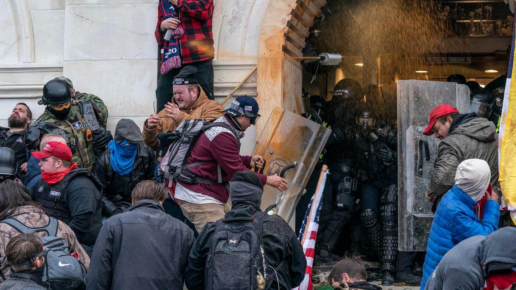 Varias de las personas que participaron en el asalto al capitolio el 6 de enero de 2020. Foto: EP