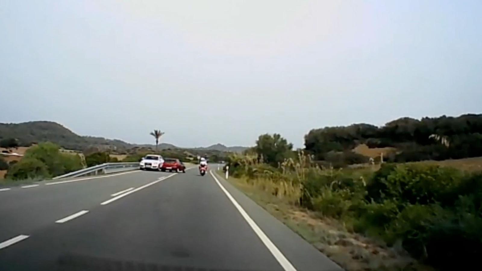 Maniobra temeraria en Menorca.