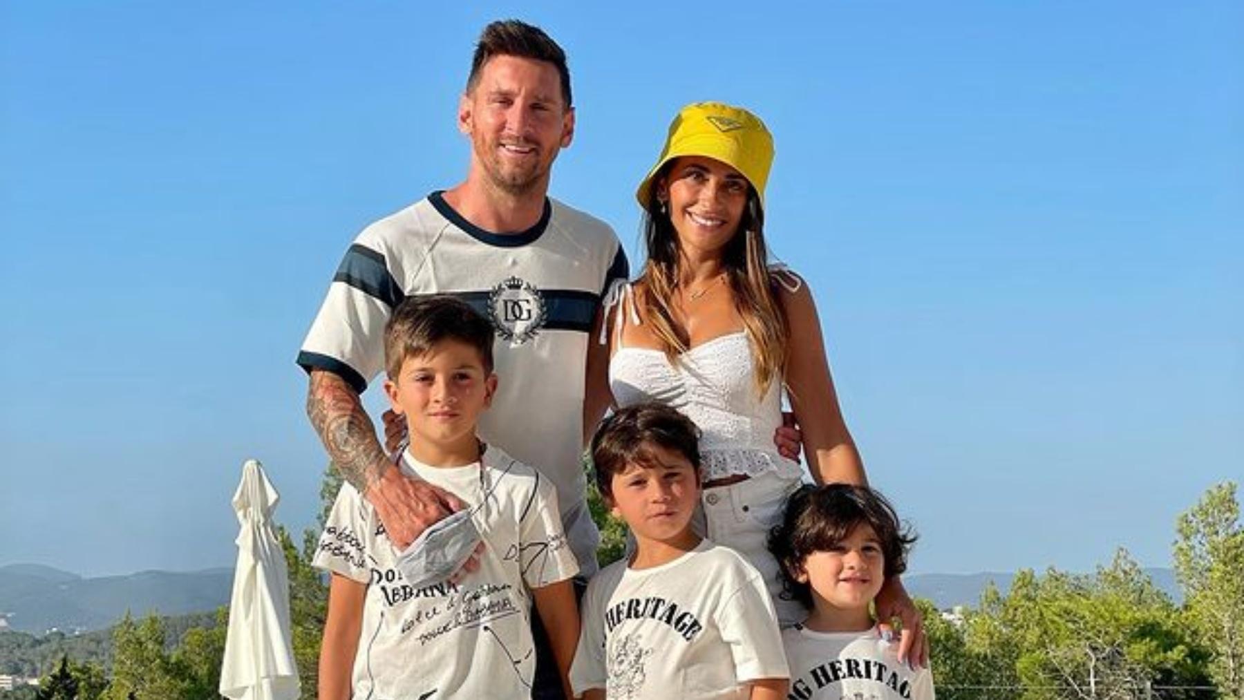 Messi, Antonela y sus hijos.