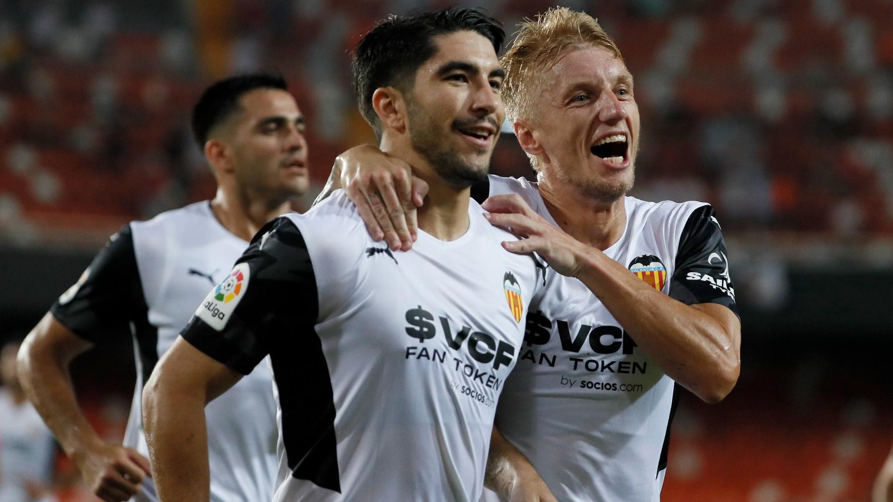 Carlos Soler celebra un gol con el Valencia. (EFE)