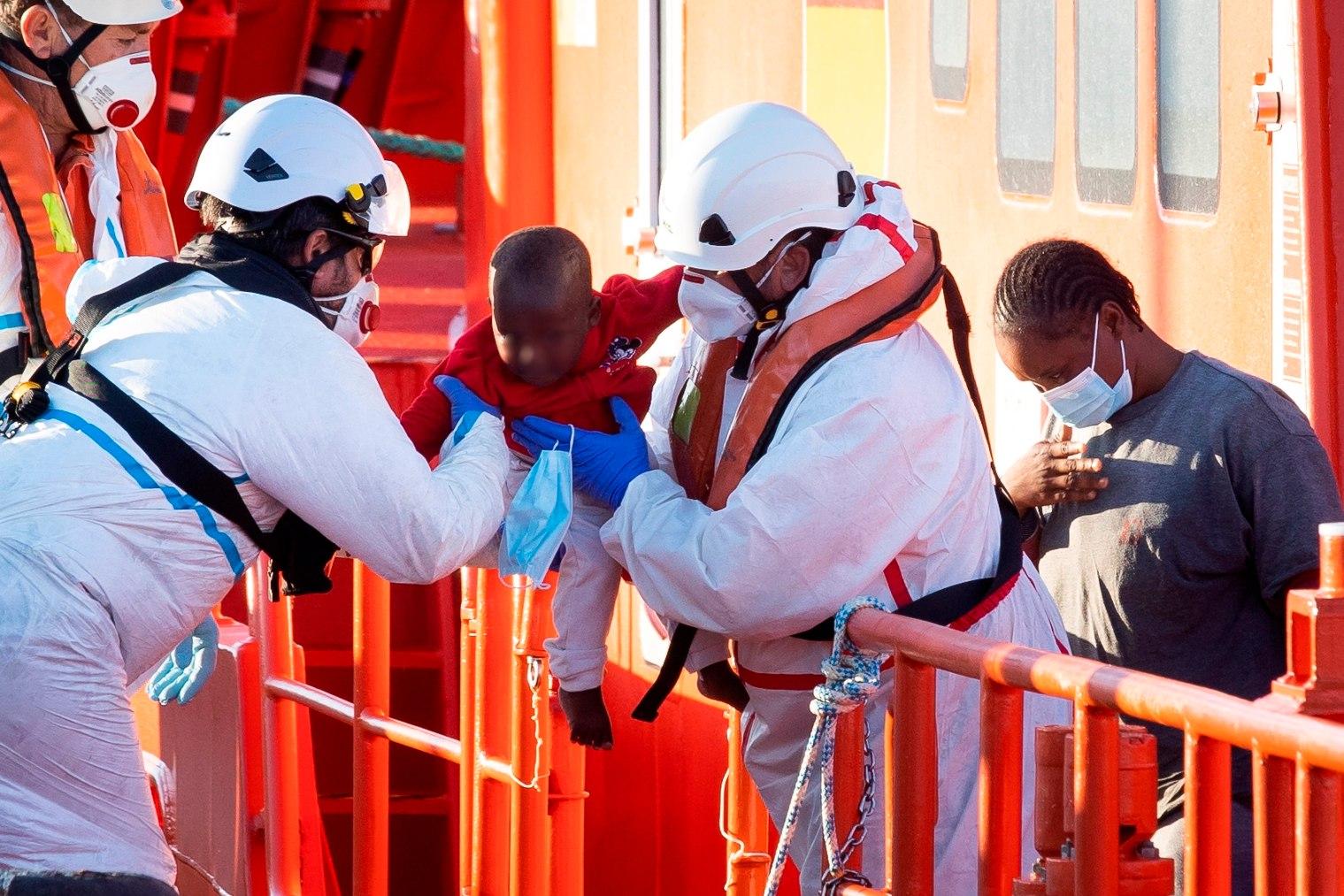 Un bebé es rescatado por Salvamento Marítimo al sur de Gran Canaria.