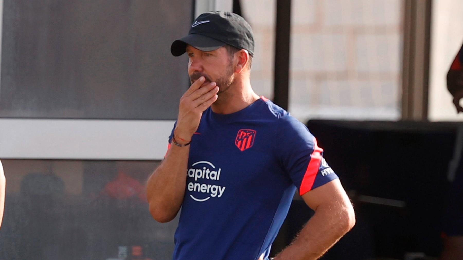 Simeone, durante un entrenamiento con el Atlético. (EFE)