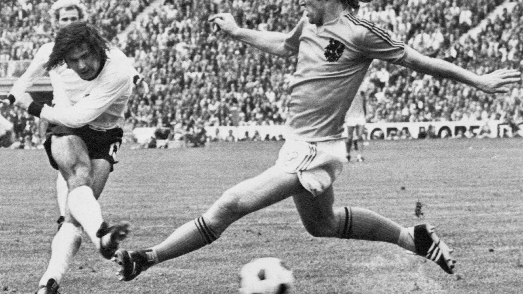 Gerd Müller, en un partido con Alemania. (AFP)