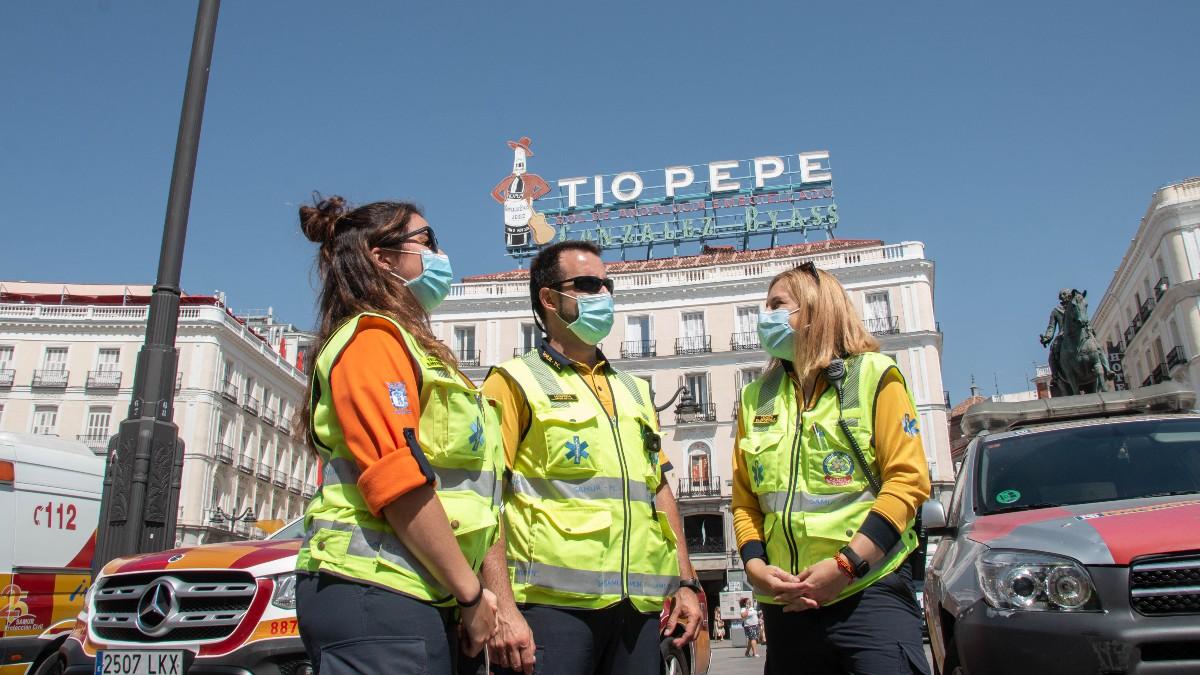 Trabajadores de Samur Protección Civil, en la Puerta del Sol