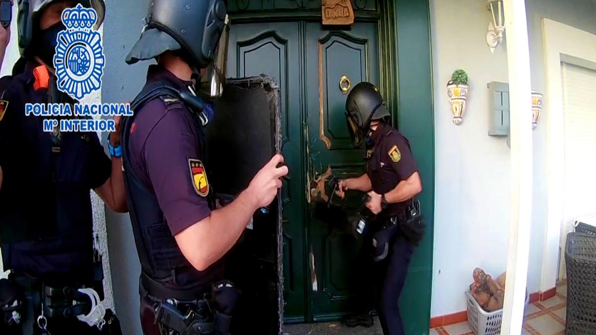 Operación policial contra una mina de criptomonedas.
