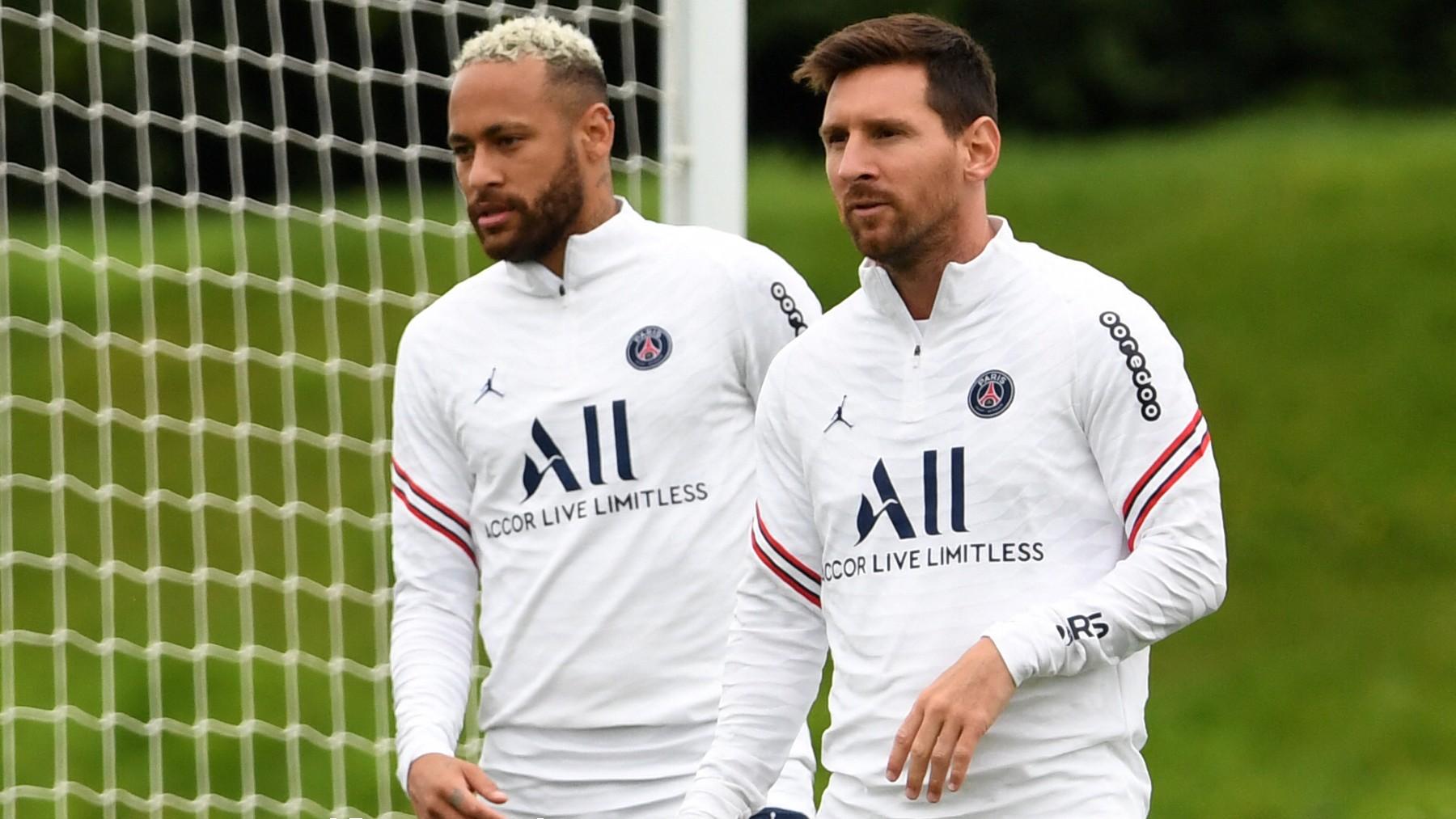 Neymar y Messi, en un entrenamiento. (AFP)