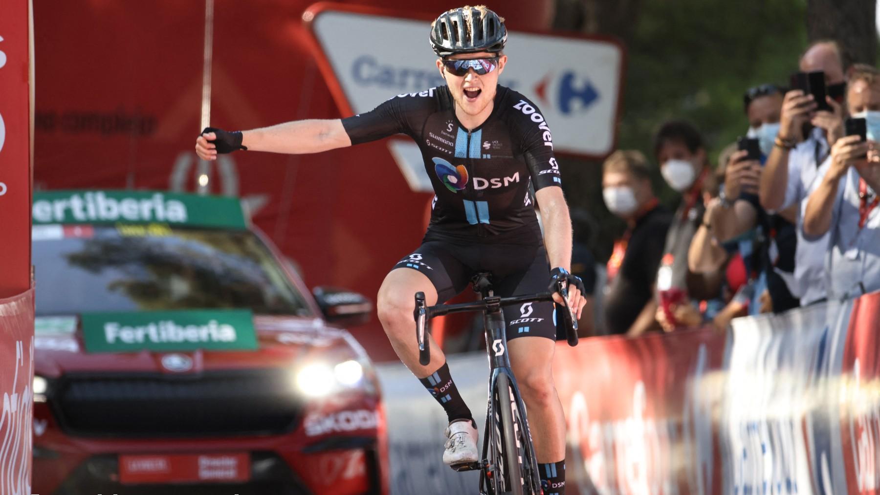 Storer celebra la victoria en el Balcón de Alicante. (AFP)