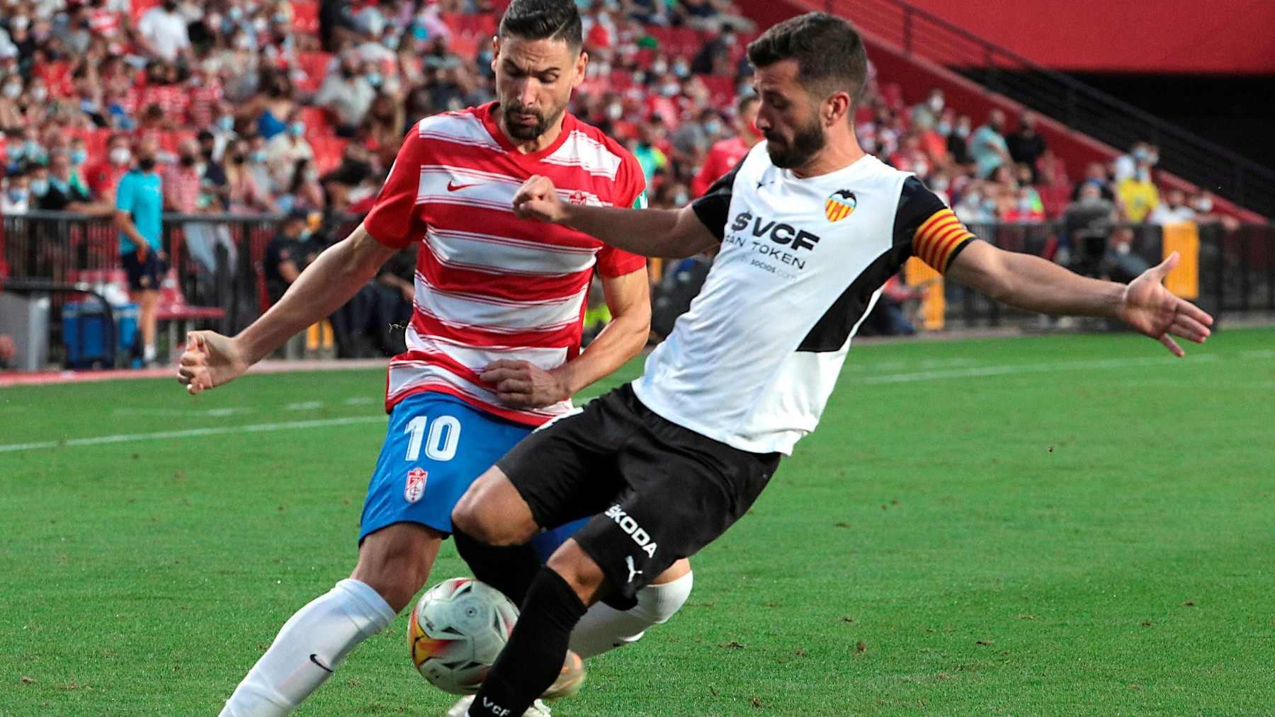 Granada y Valencia empataron en Los Cármenes. (EFE)