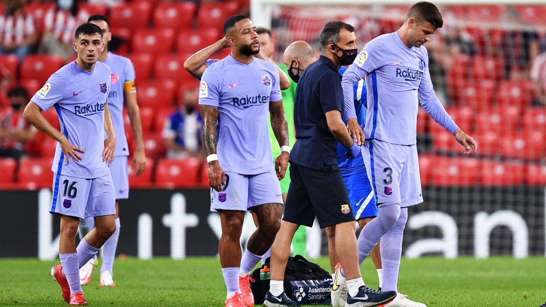 Gerard Piqué se retira lesionado en San Mamés del Athletic-Barcelona. (Getty)