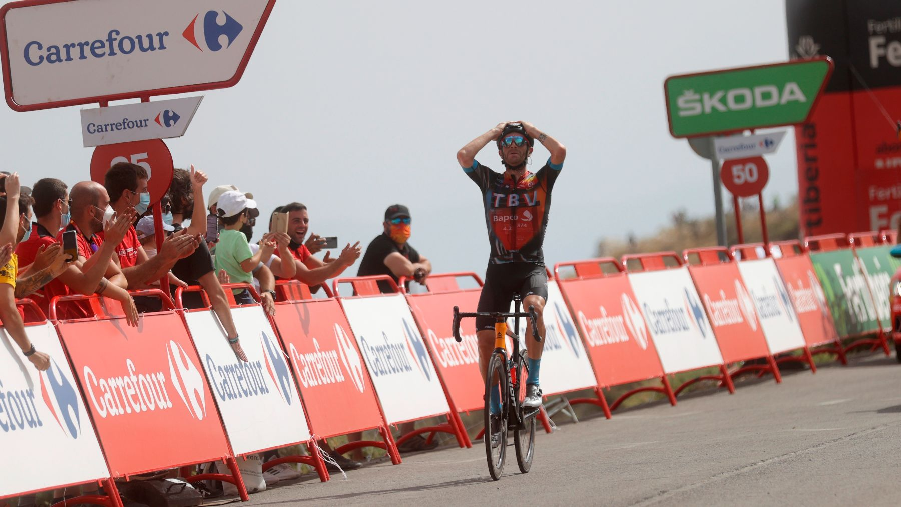 Caruso gana una etapa en la Vuelta a España. (EFE)