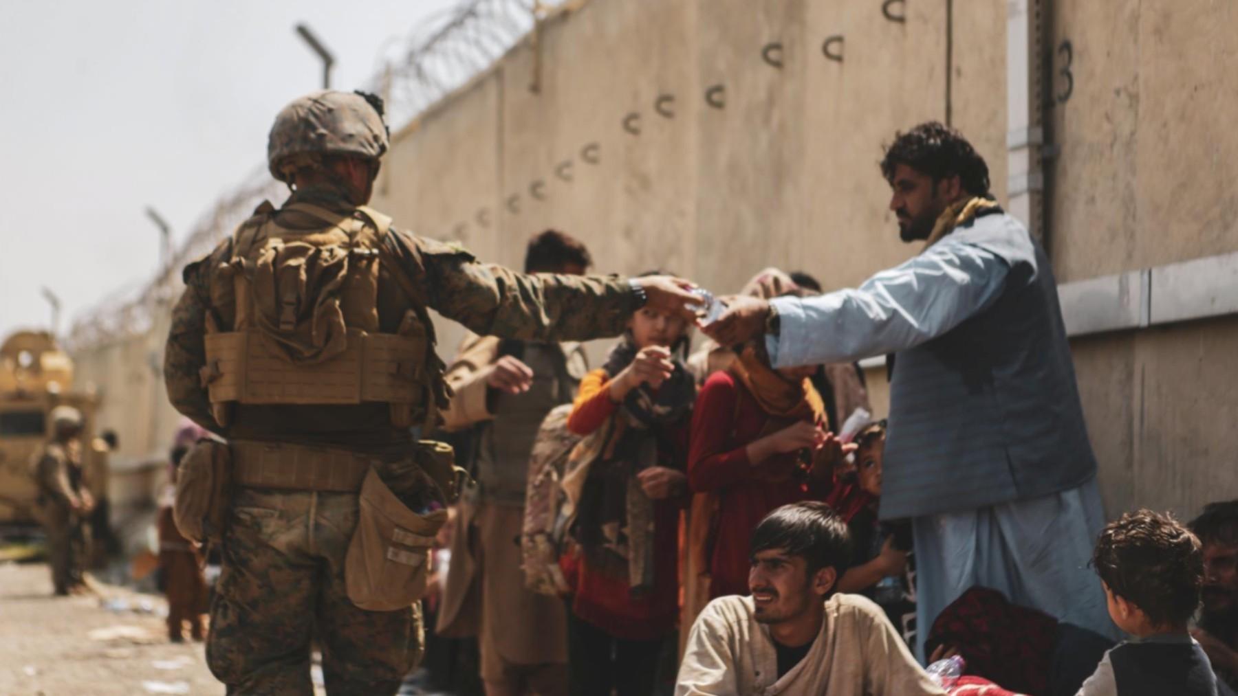 Efectivos de Estados Unidos en el aeropuerto de Kabul.
