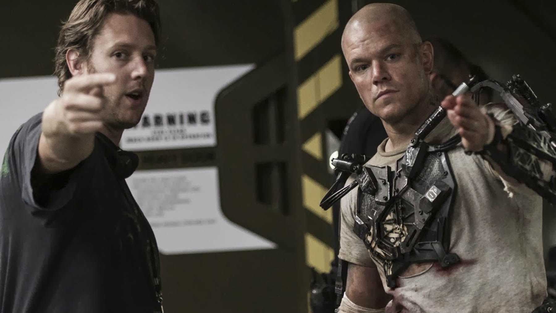 Neil Blomkamp con Matt Damon en «Elysium» (MRC)