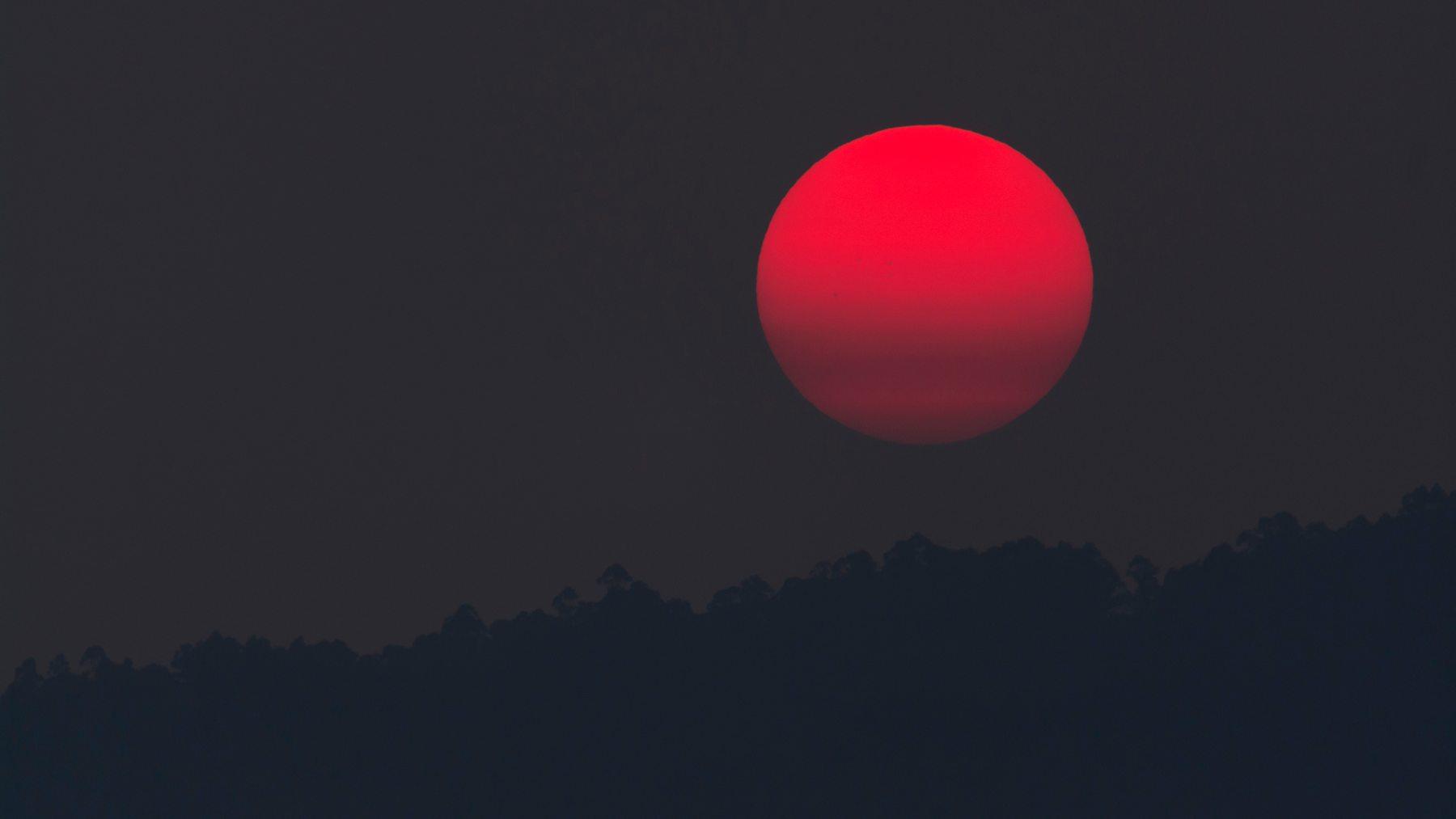 Sol rojo en España