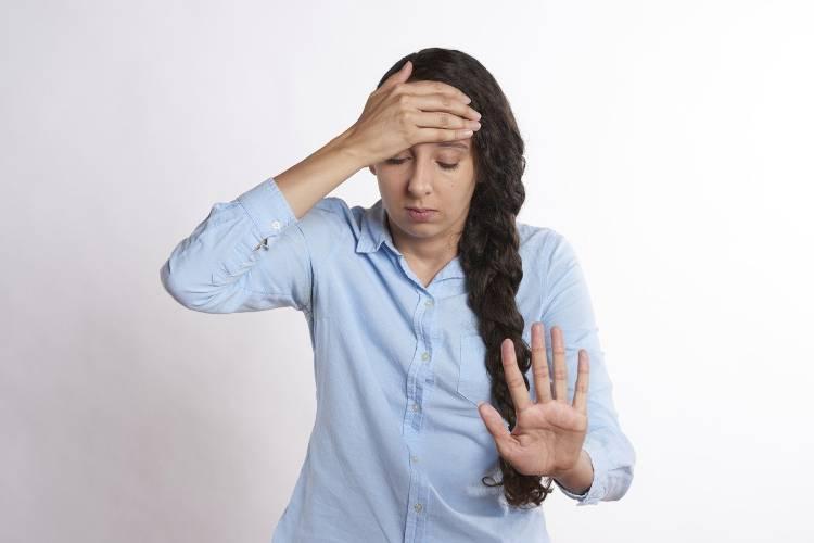 ¿Por qué tenemos presión en la cabeza? Te desvelamos las causas definitivas