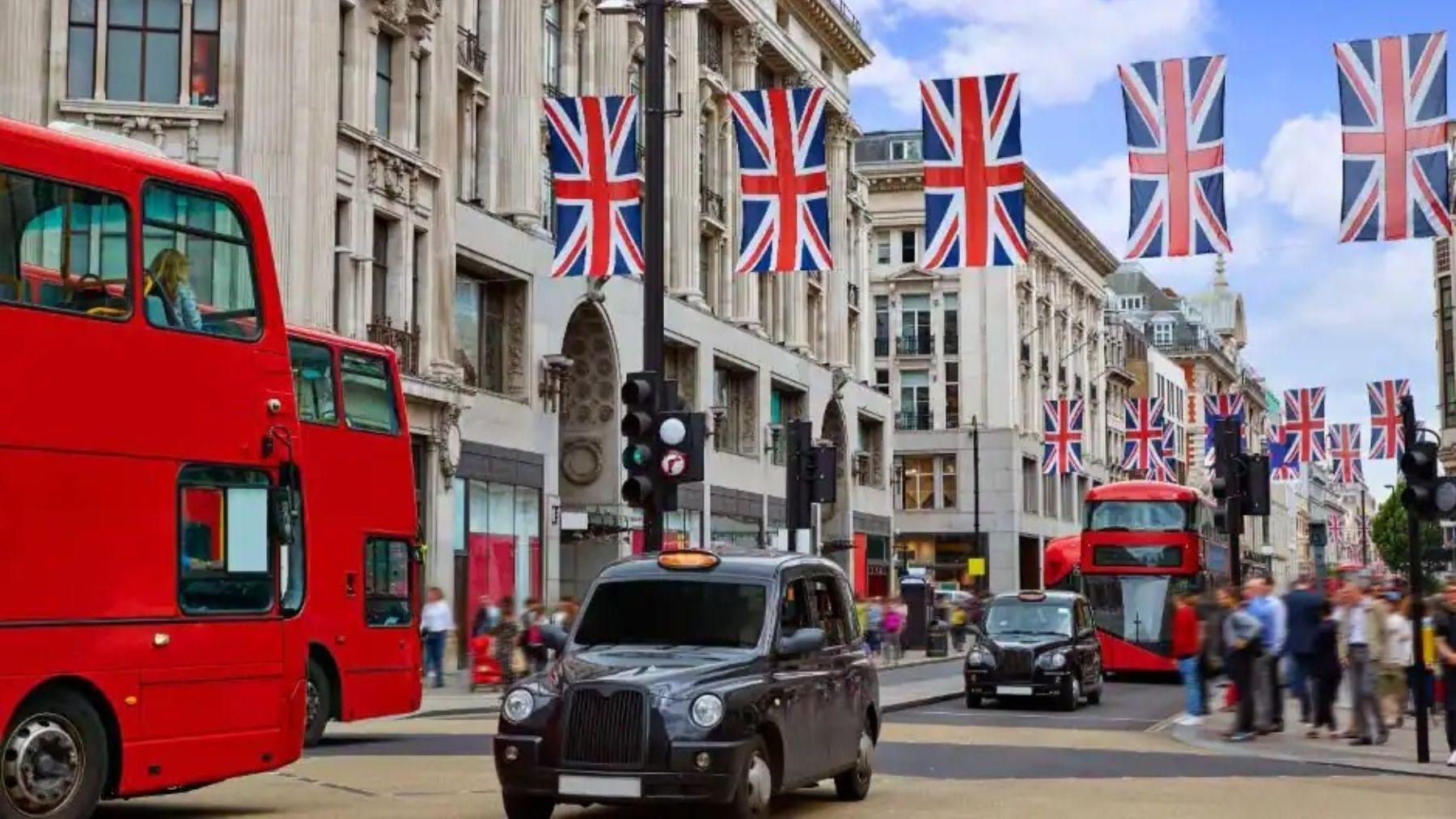 La razón por la que los coches ingleses circulan por la izquierda