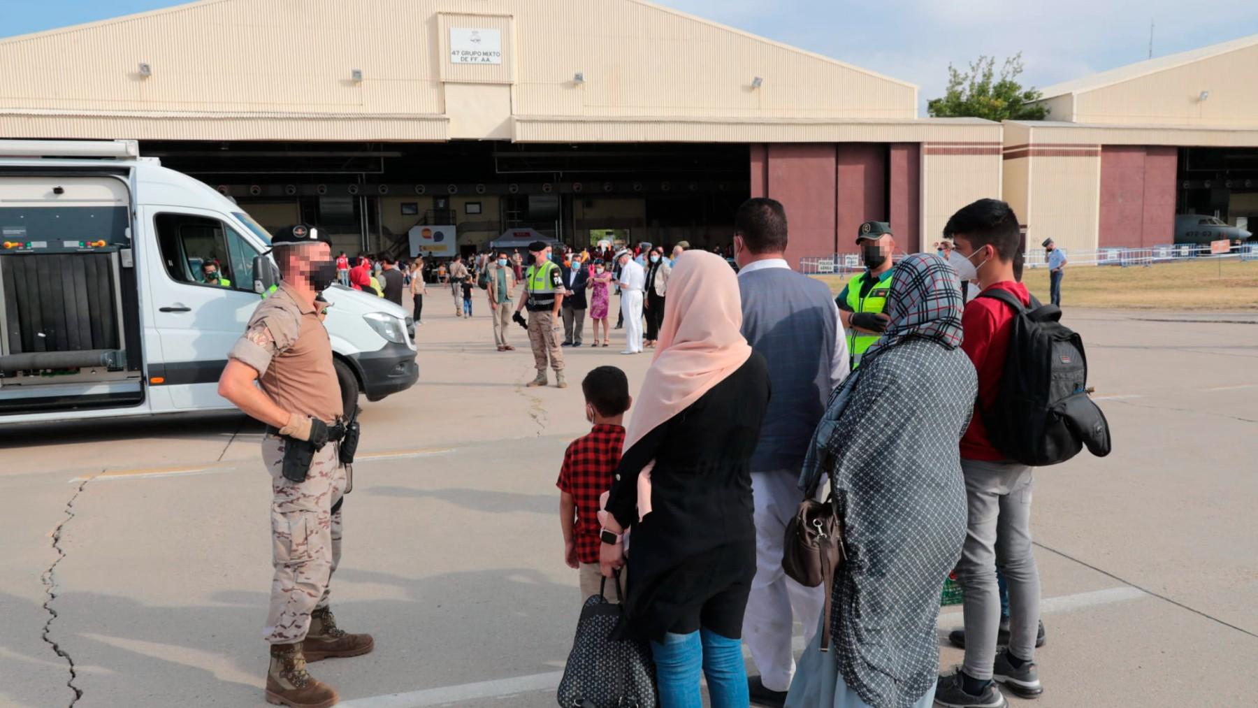 Un total de 292 personas evacuadas desde Afganistán llegan a la Base Aérea de Torrejón.