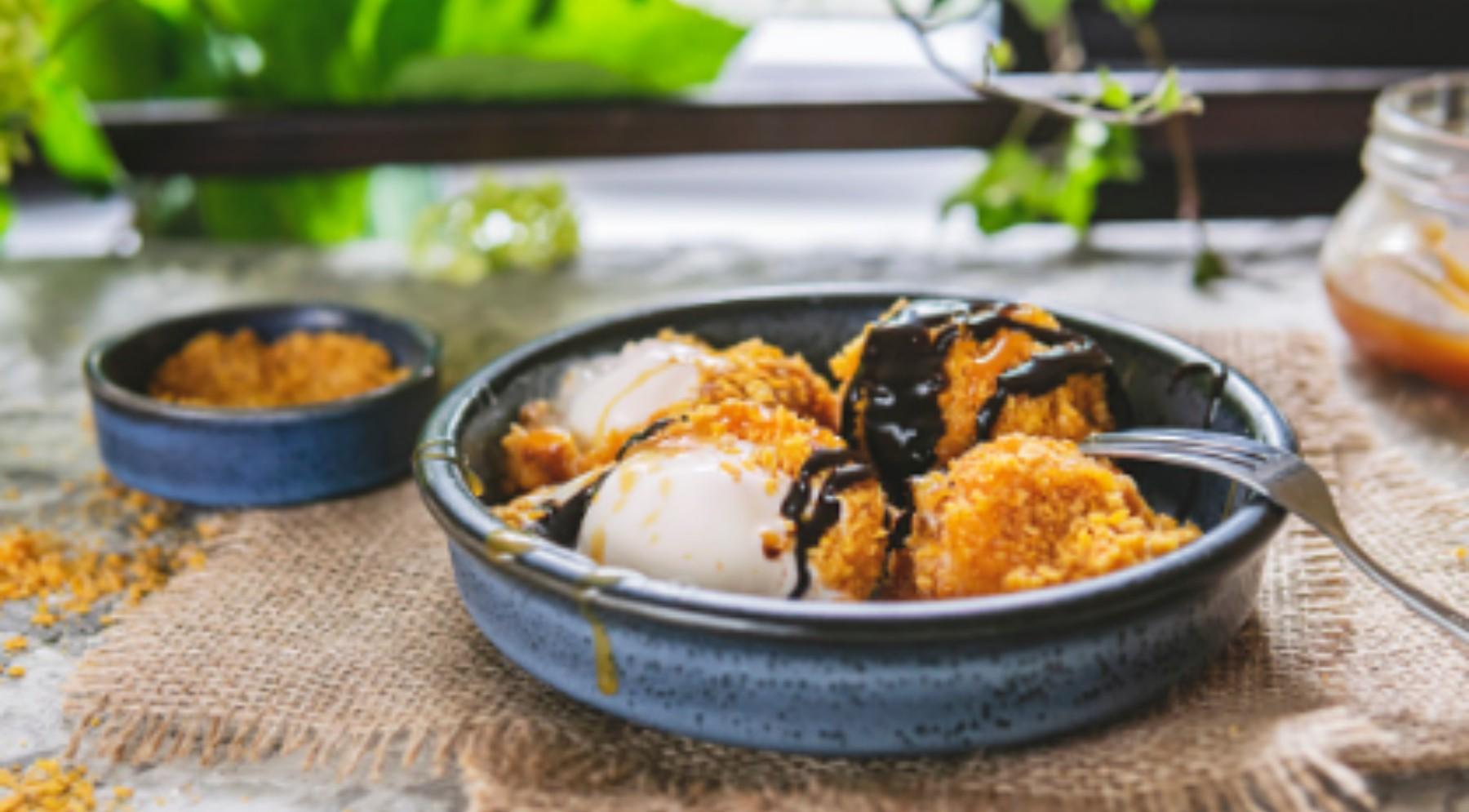 Helado frito de mango, receta de un postre original y delicioso