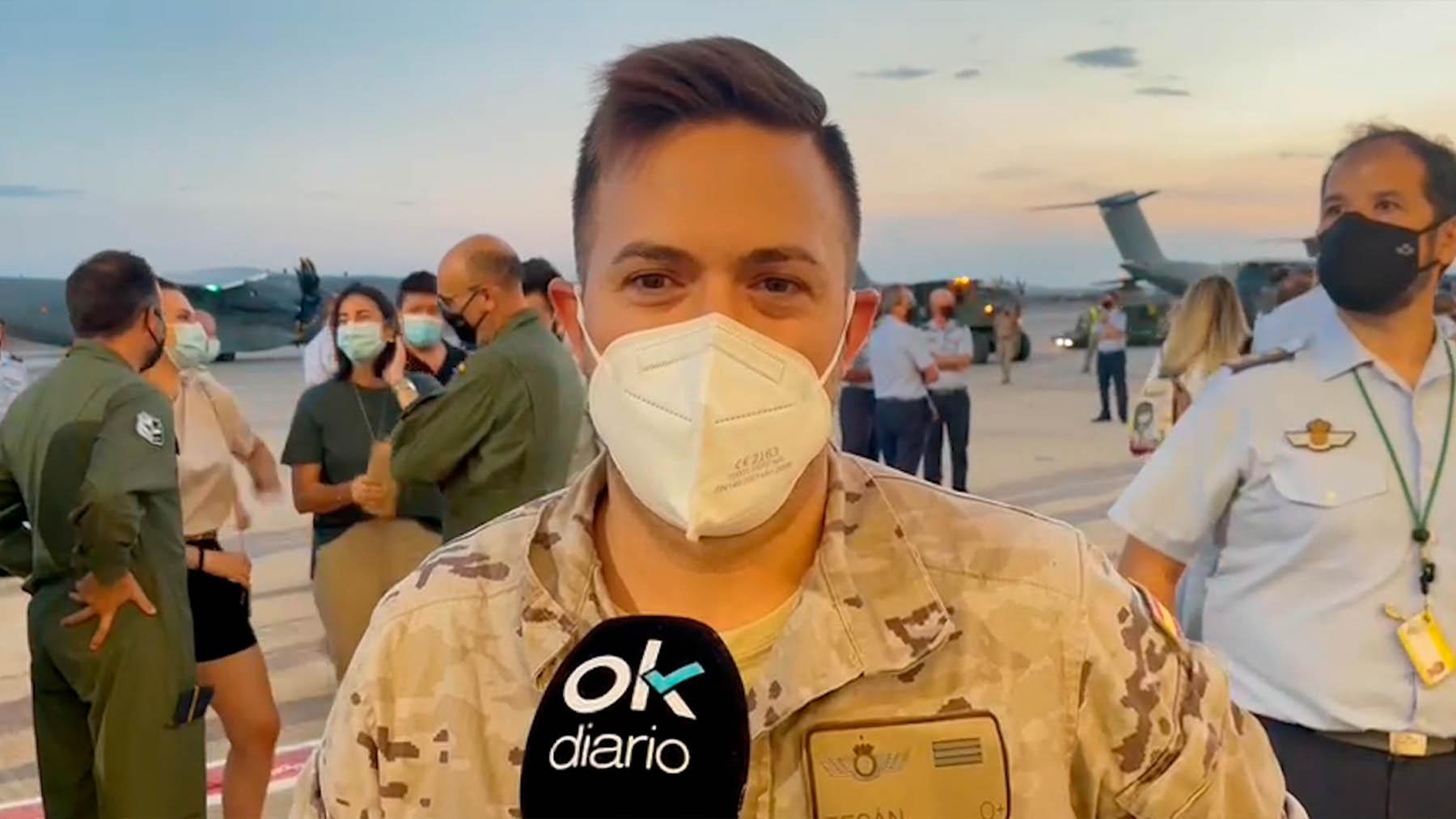 El sargento Tesán del Ejército del Aire habla con OKDIARIO en Torrejón tras aterrizar desde Afganistán.