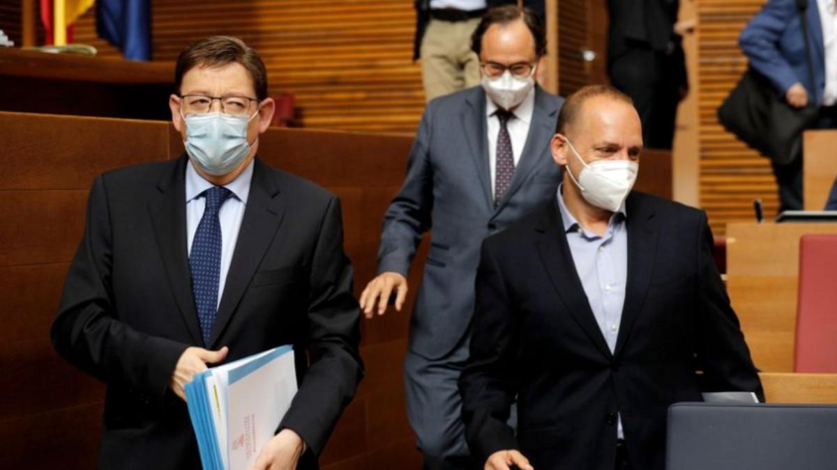 El president Ximo Puig acompañado por su vicepresidente segundo, Ruben Martinez Dalmau.