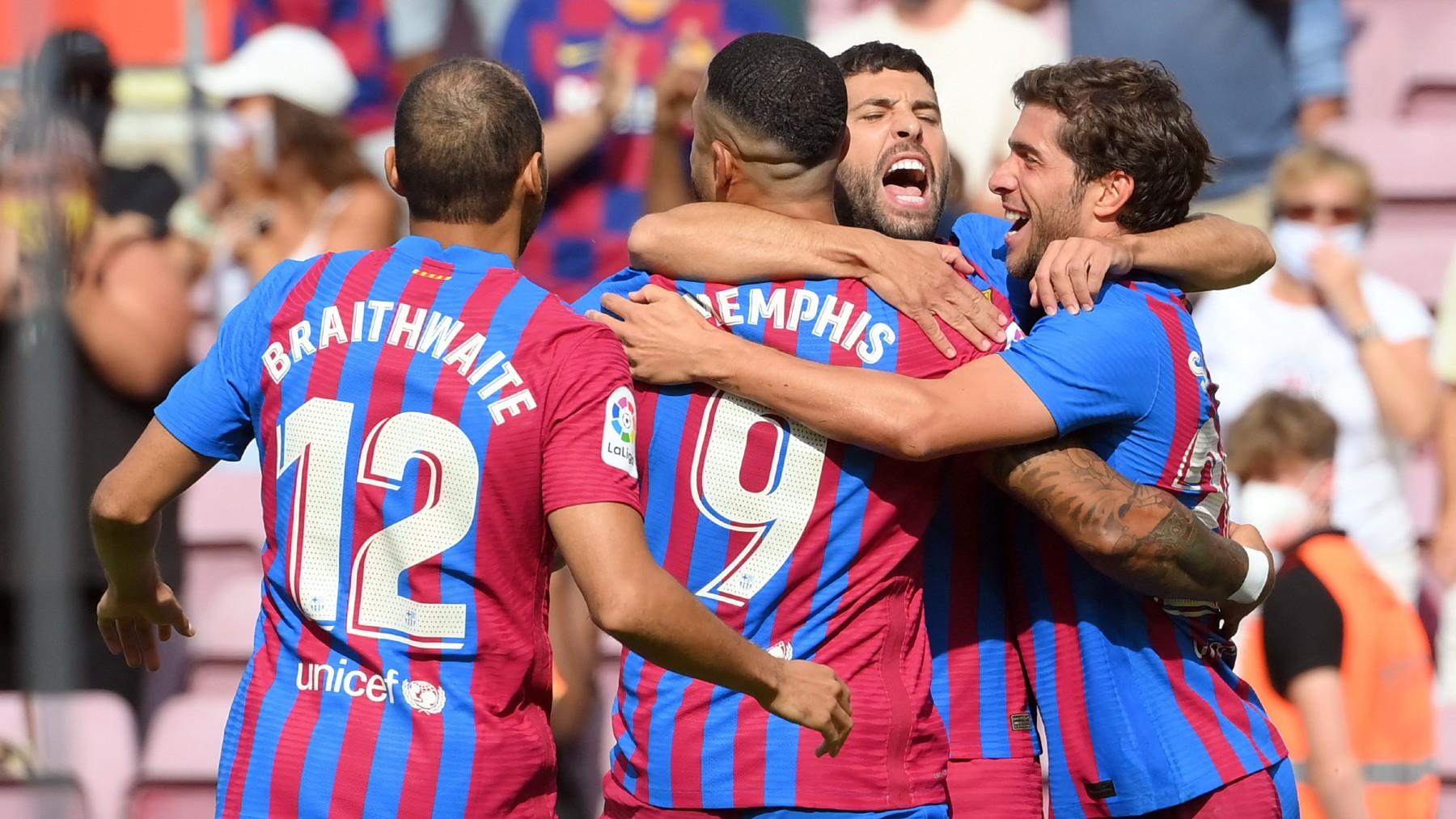 Los jugadores del Barcelona celebran uno de los goles ante el Getafe.