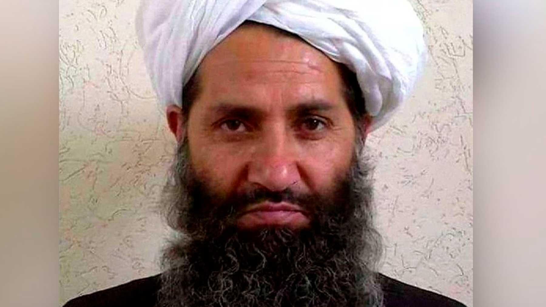 Hibatullah Akhundzada, líder supremo de los talibanes, en una de las pocas fotografías que se habrían difundido de él.