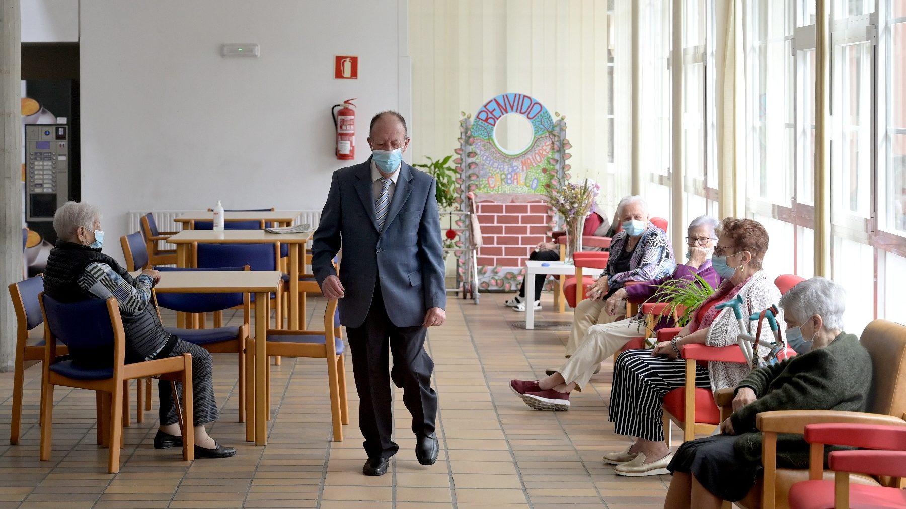 Ancianos en una residencia de mayores (M.DYLAN / EUROPA PRESS).