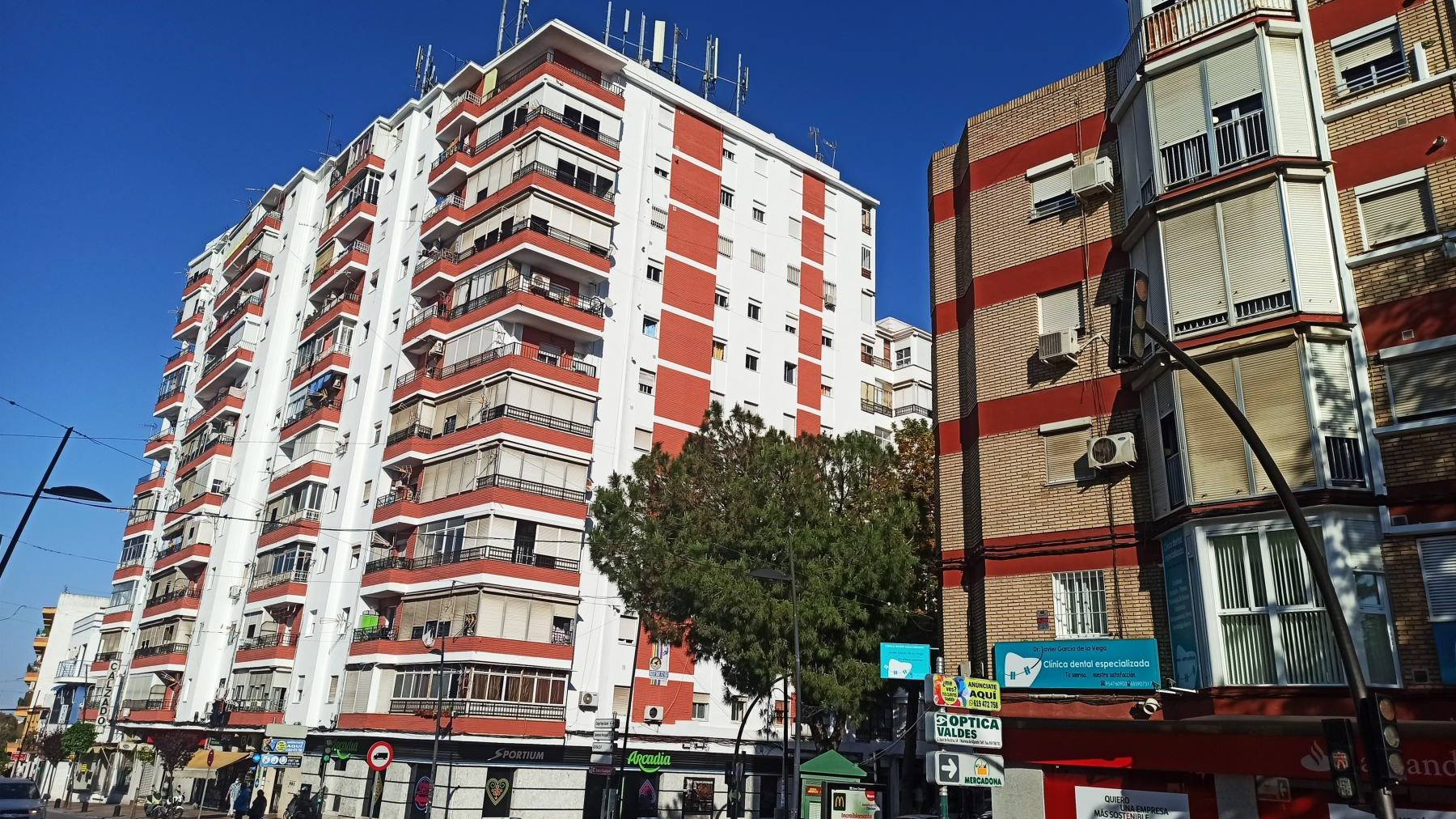 Bloques de viviendas en San Juan de Aznalfarache (EUROPA PRESS).