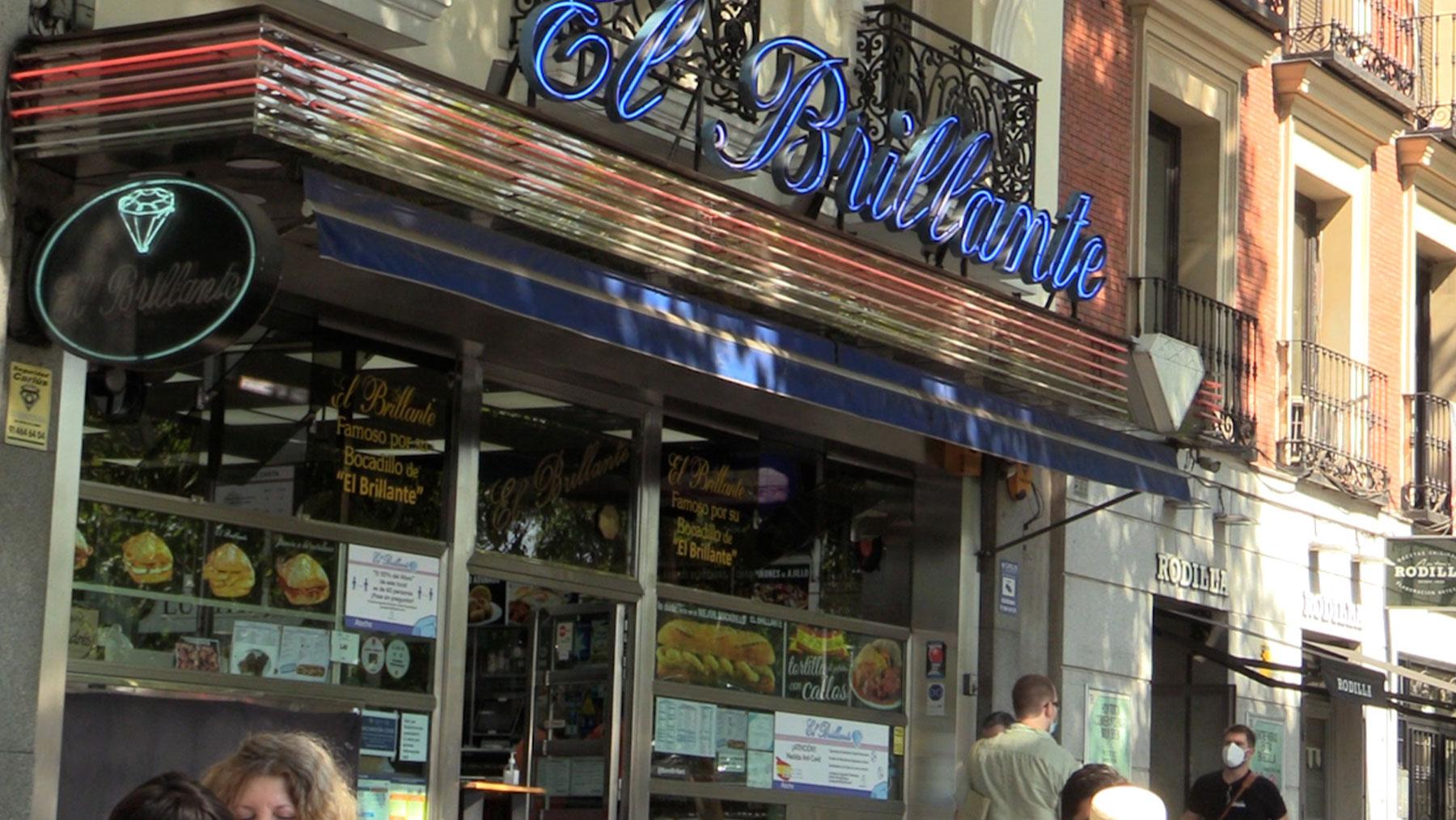 Bar El Brillante.