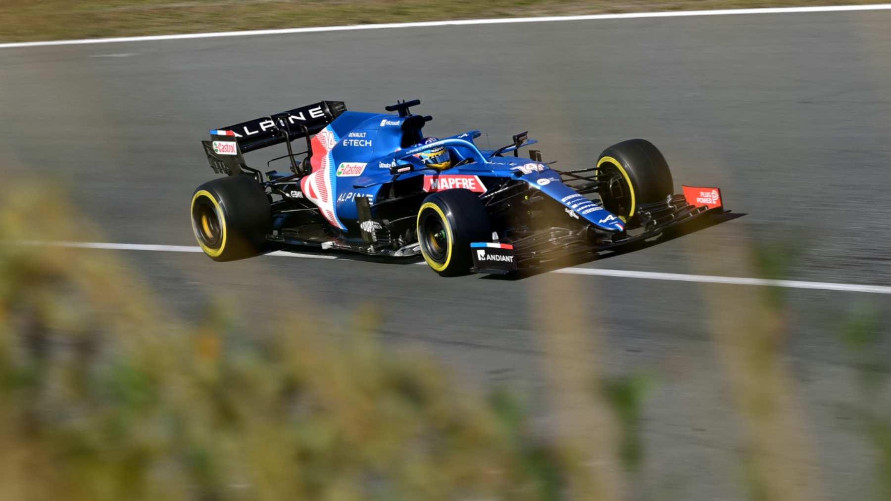 Fernando Alonso durante la sisión de clasificación del GP de los Países Bajos. (AFP)