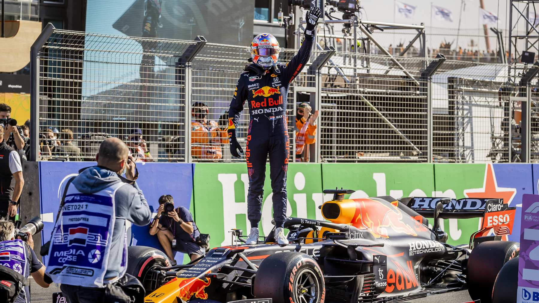 Max Verstappen logra la pole en la sesión de clasificación del GP de los Países Bajos. (AFP)